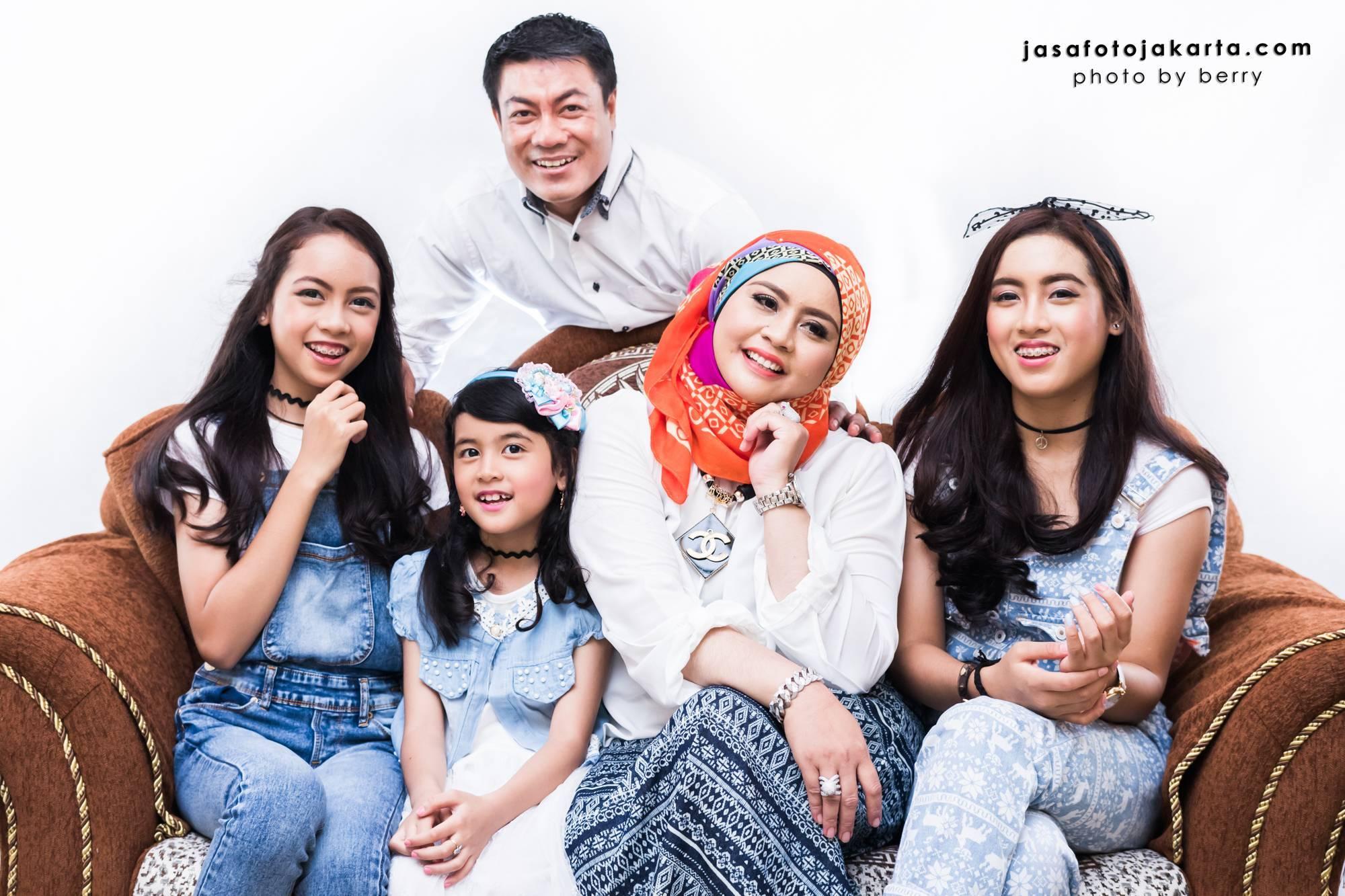 7 Gaya Foto Studio Keluarga Yang Menarik Jasa Fotografi Di Jakarta
