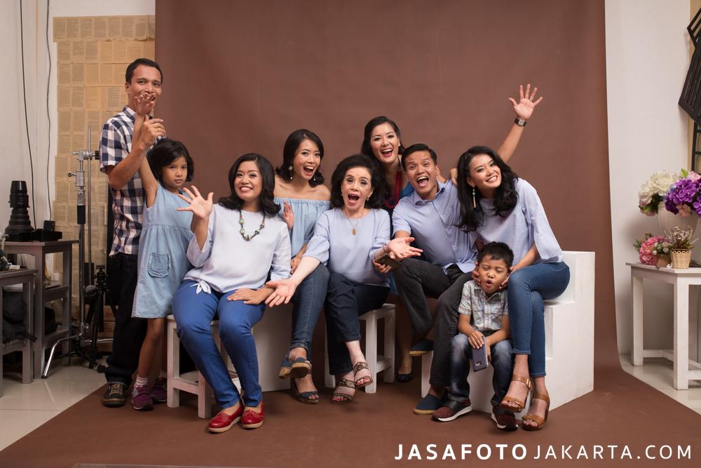 Foto Studio Keluarga
